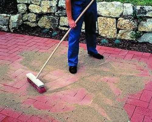 Способы затирки швов тротуарной плитки