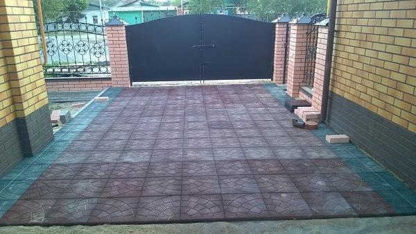 фото резиновой плитки на даче