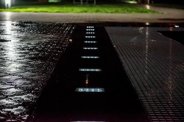 фото светящийся плитки на солнечных батареях