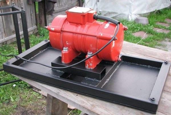 двигатель для вибростола