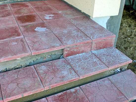 укладка на бетонное основание крыльца из тротуарной плитки