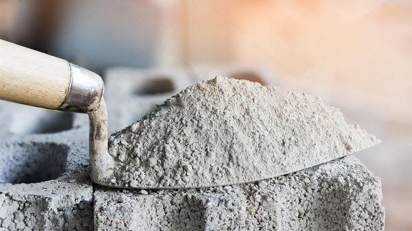 шпатель с цементом