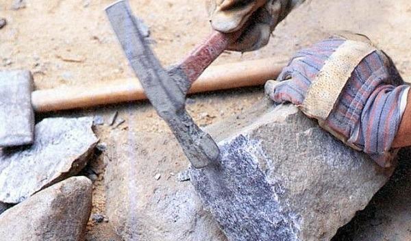 раскалываем бутовый камень
